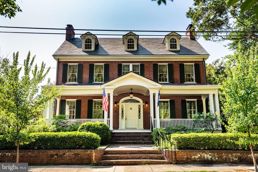 Stately! Looking beautiful 91 years later! - 610 LEWIS ST, FREDERICKSBURG