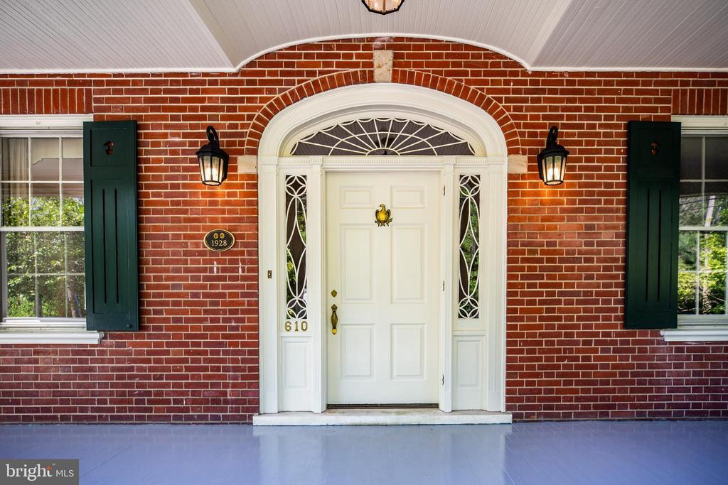 Gorgeous front door - 610 LEWIS ST, FREDERICKSBURG