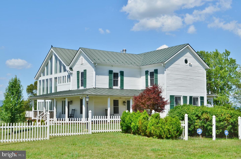 Single Family Homes للـ Sale في Edinburg, Virginia 22824 United States