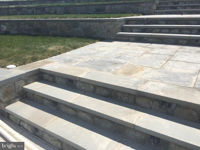 Amphith. steps. Beautifully done. - 12946 CLARKSBURG SQUARE RD, CLARKSBURG