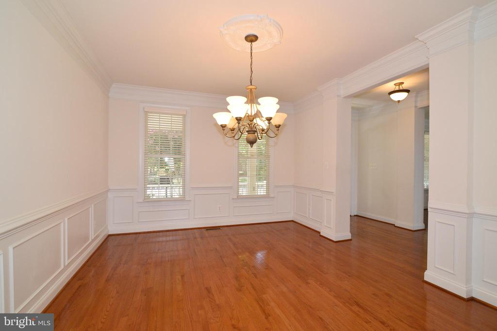 Formal dining room - 43980 RIVERPOINT DR, LEESBURG