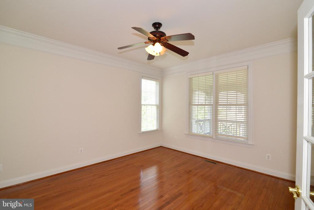 Main level office - 43980 RIVERPOINT DR, LEESBURG