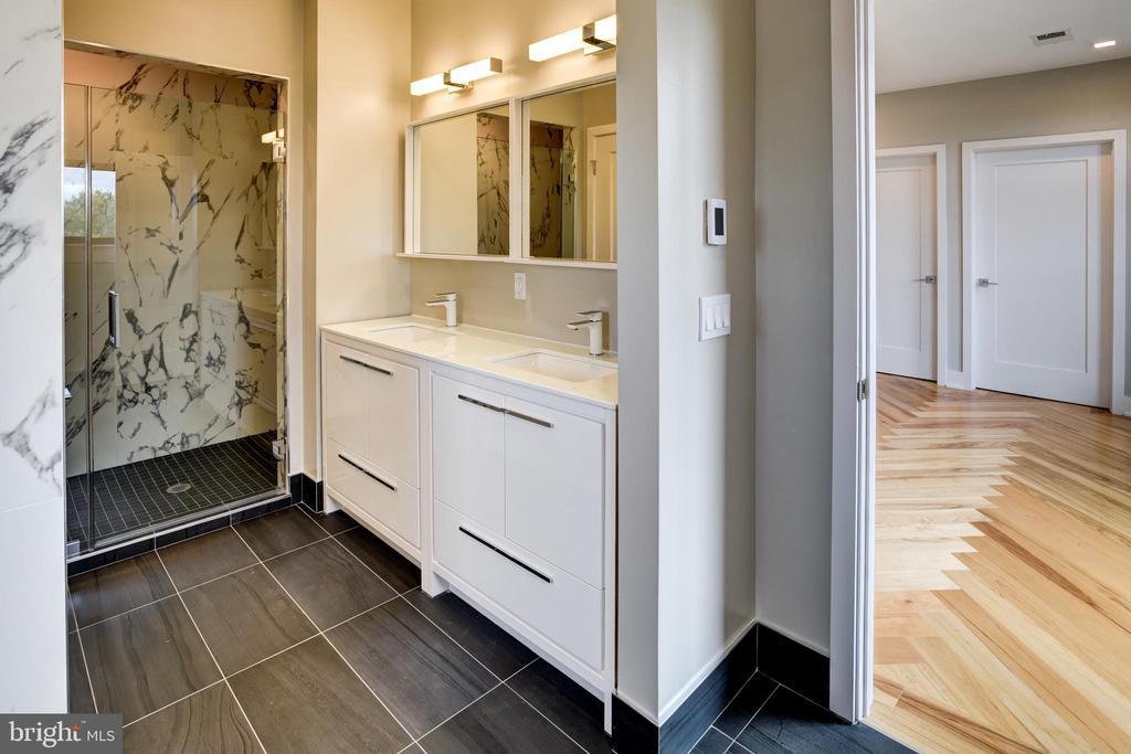 Master bathroom with rain shower and tub - 1345 K ST SE #PH2, WASHINGTON