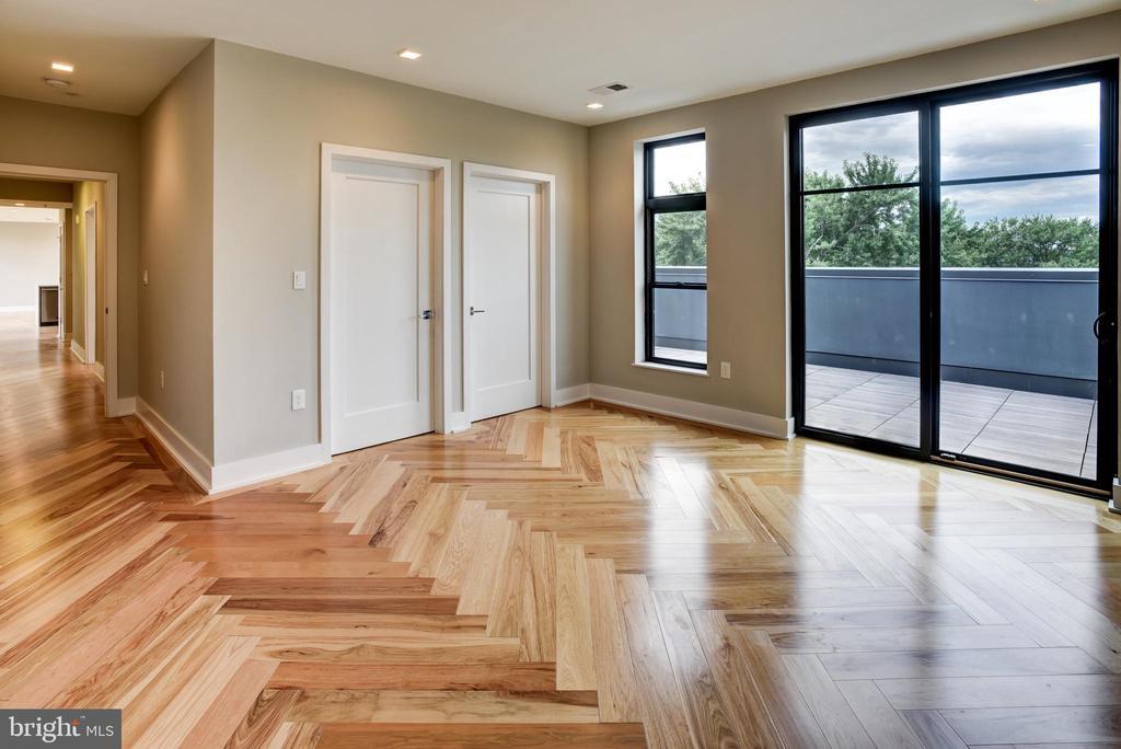 Master bedroom with private balcony/deck - 1345 K ST SE #PH2, WASHINGTON