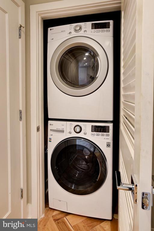 Full size LG washer + dryer - 1345 K ST SE #PH2, WASHINGTON
