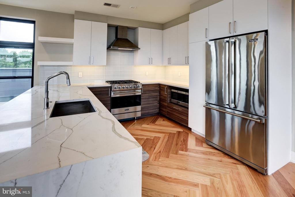 Viking stainless steel appliances - 1345 K ST SE #PH2, WASHINGTON