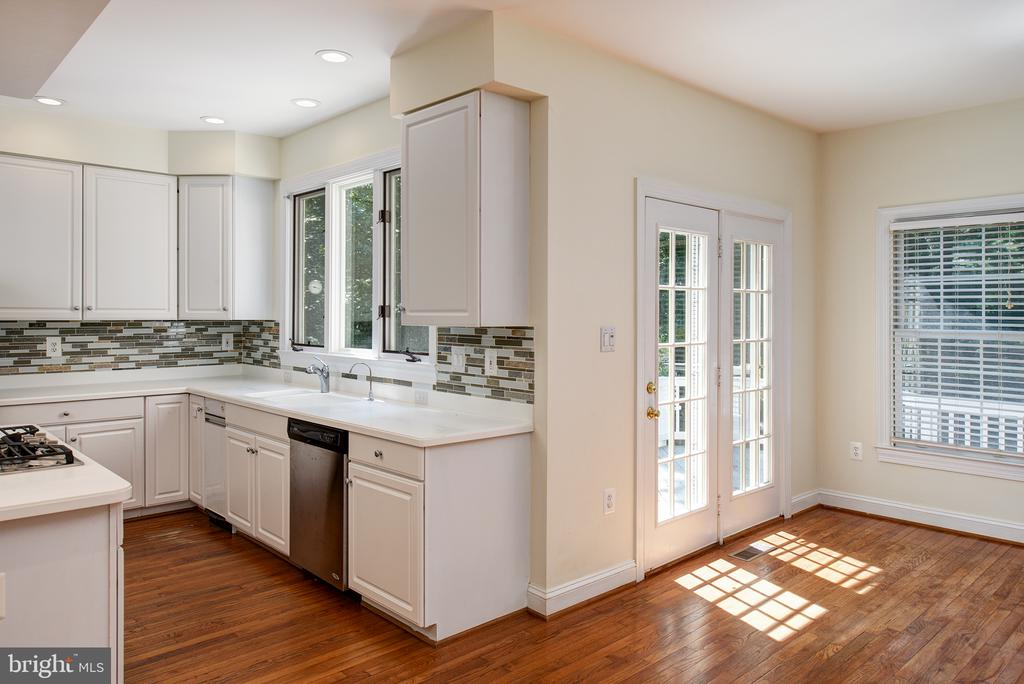 and is conveniently next to the Breakfast Room - 1144 ROUND PEBBLE LN, RESTON