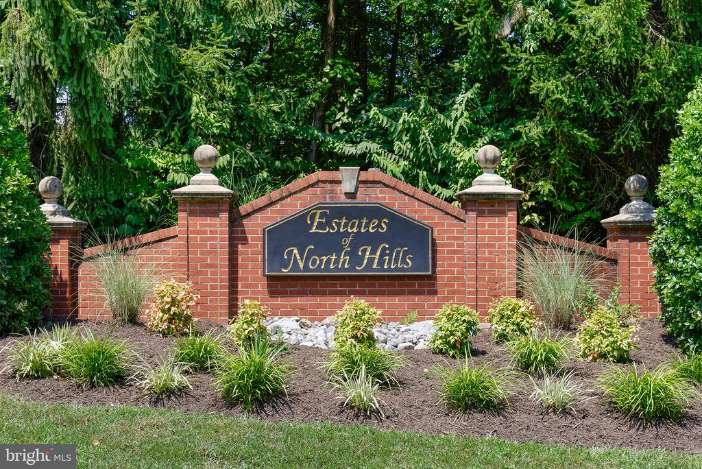 Welcome to the Estates of North Hills - 1144 ROUND PEBBLE LN, RESTON