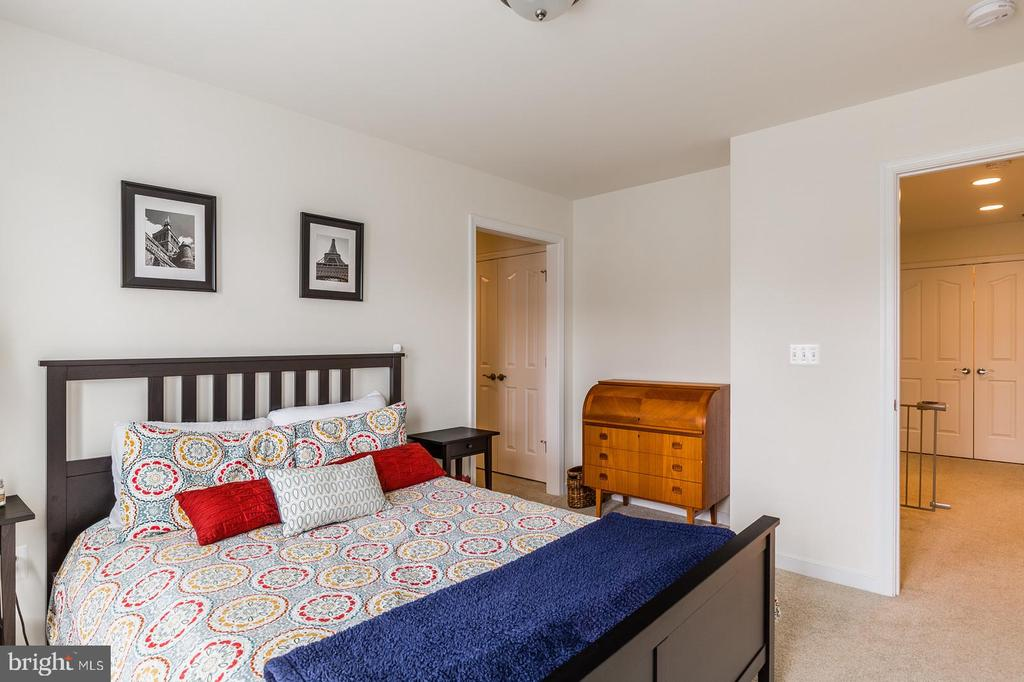 Bedroom #2. In-law suite. - 9 WOODLOT CT, STAFFORD