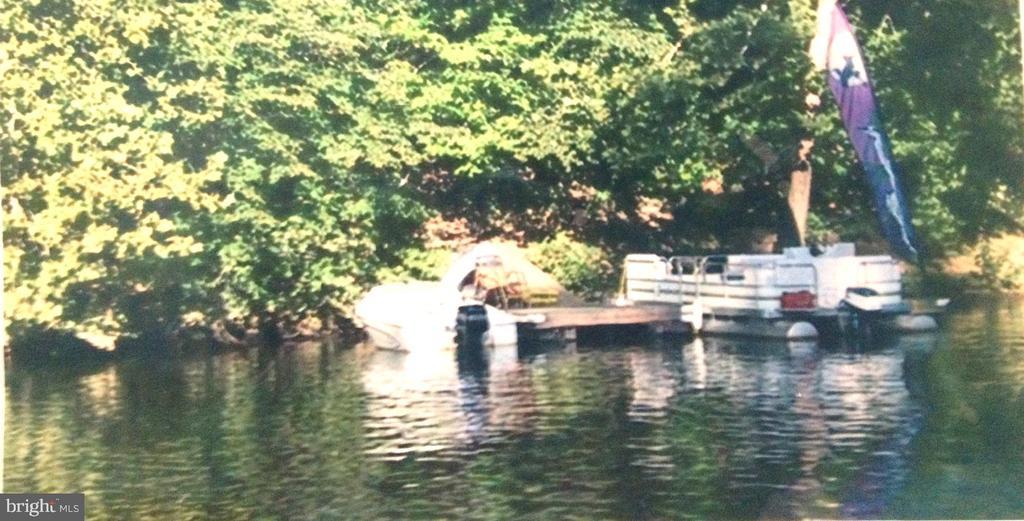 2 Slip Dock. Speed and Pontoon.         Deep WTR - 8575 COBB RD, MANASSAS