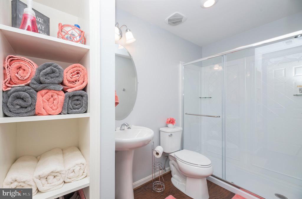 3rd full bathroom in the basement - 31 DAFFODIL LN, STAFFORD