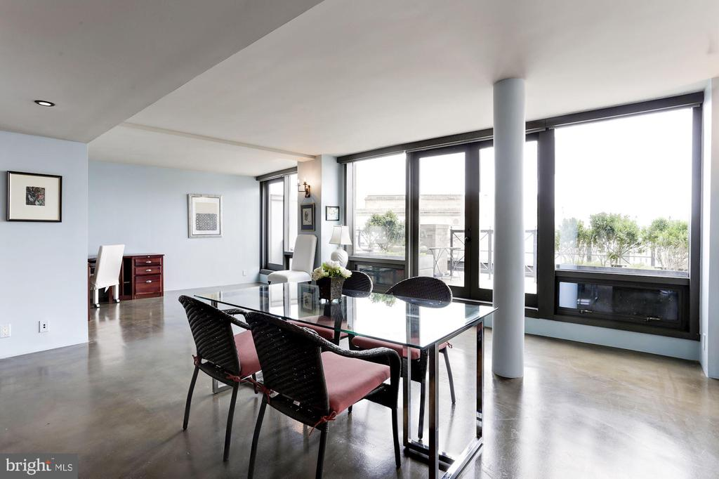 Open Floor Plan -- Dining Area - 701 PENNSYLVANIA AVE NW #1025-1026, WASHINGTON
