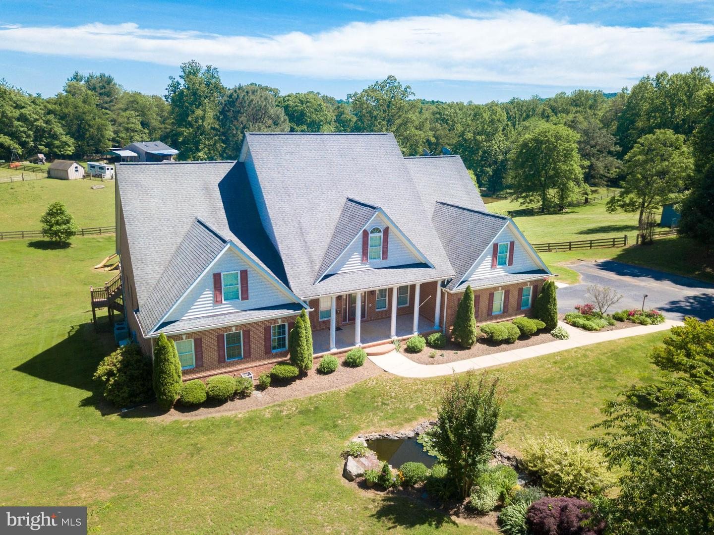 Single Family Homes for Sale at Castleton, Virginia 22716 United States