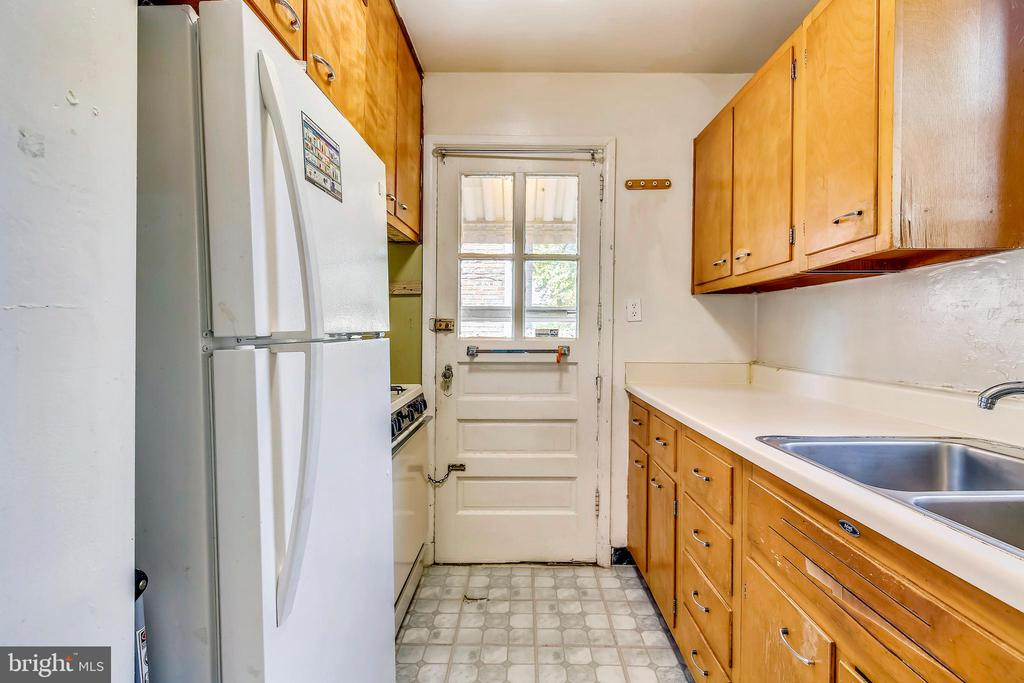 Kitchen - 2031 20TH RD N, ARLINGTON