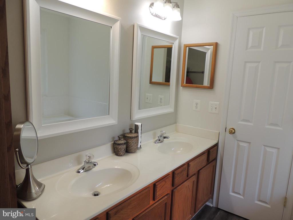 His and Hers Sinks - 12609 TOLL HOUSE RD, SPOTSYLVANIA