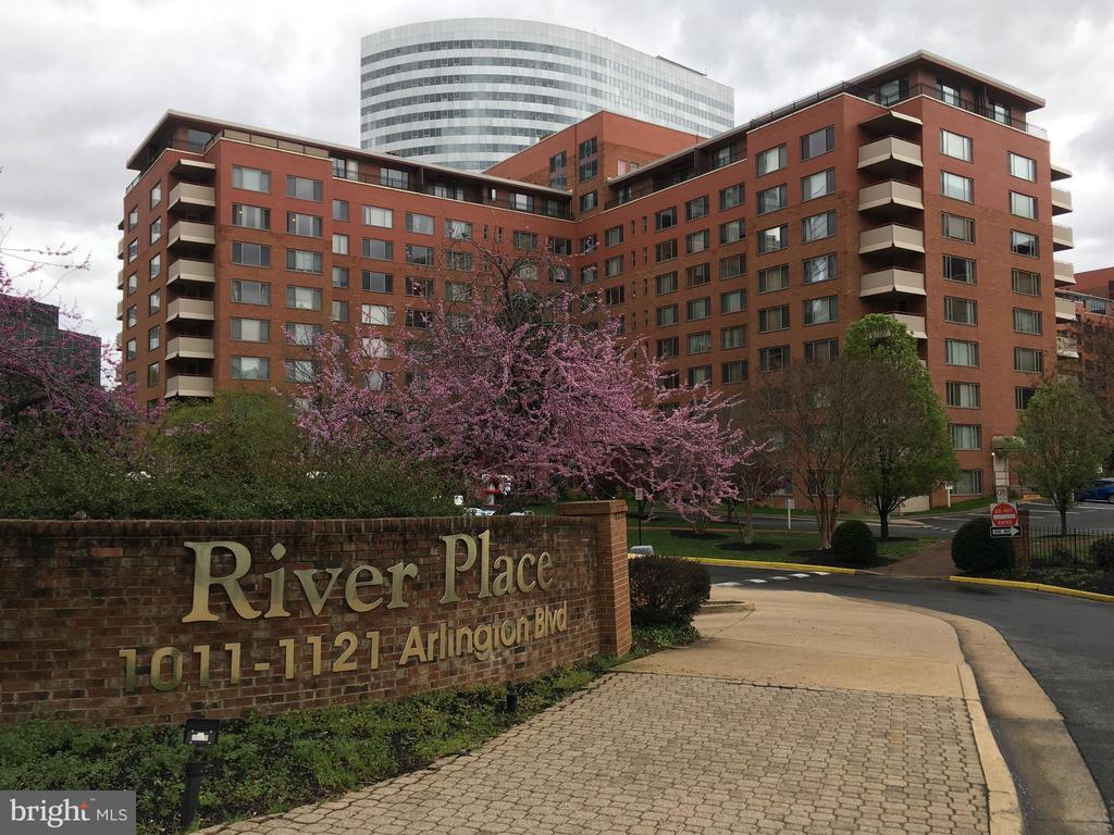 MLS VAAR153120 in RIVER PLACE