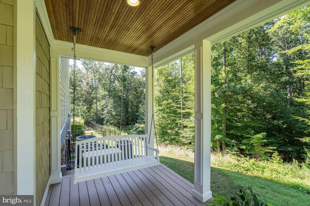 side porch - 11606 LAWTER LN, CLIFTON