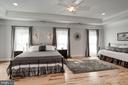 master suite w/tray ceilings - 11606 LAWTER LN, CLIFTON