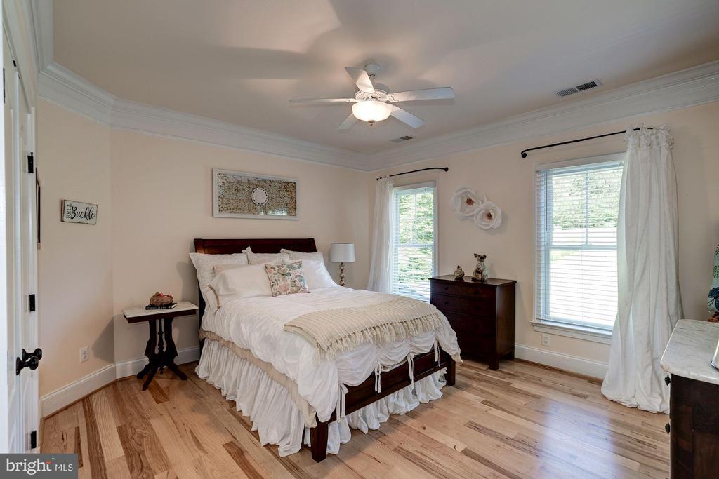 bedroom 2 - 11606 LAWTER LN, CLIFTON