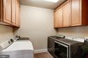 upper level laundry - 11606 LAWTER LN, CLIFTON
