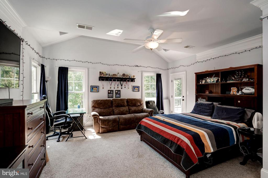 bedroom 4 - 11606 LAWTER LN, CLIFTON