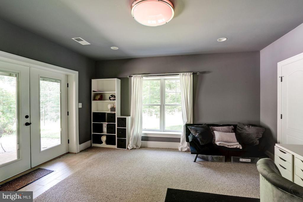 bonus room, hobby room, guest quarters - 11606 LAWTER LN, CLIFTON