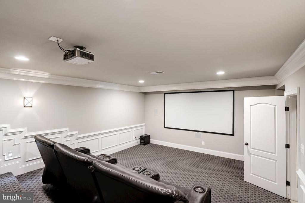 media room - 11606 LAWTER LN, CLIFTON