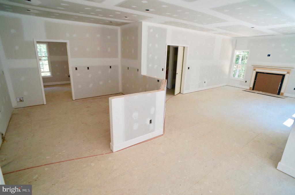 Kitchen & Family Room - 21 ACCOKEEK VIEW LN, STAFFORD