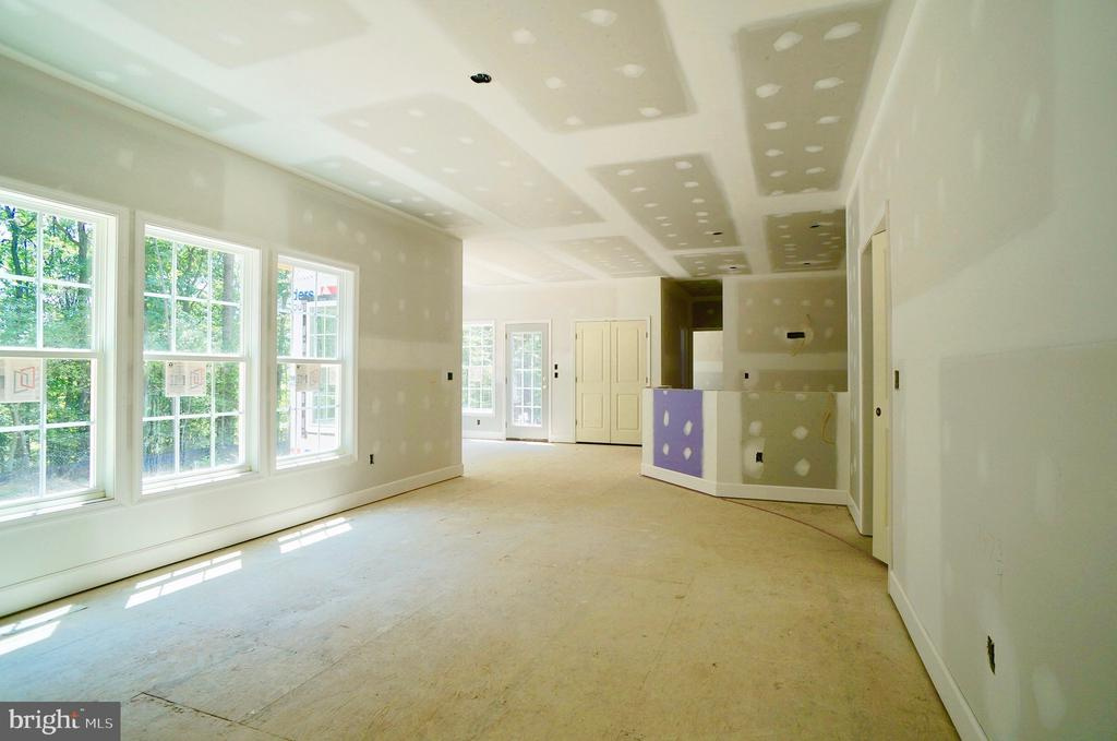 Family Room to Kitchen - 21 ACCOKEEK VIEW LN, STAFFORD