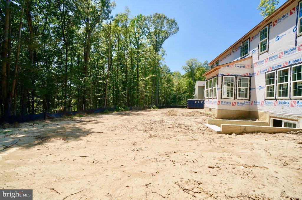 Level Backyard backs to Trees & Accokeek Creek - 21 ACCOKEEK VIEW LN, STAFFORD