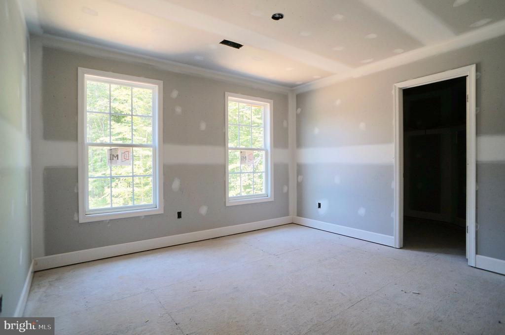 Bedroom 3 with Walk In Closet - 21 ACCOKEEK VIEW LN, STAFFORD