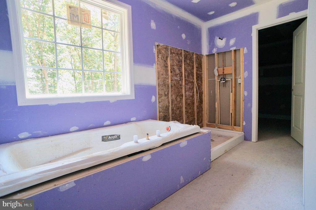 Owners Bath - 21 ACCOKEEK VIEW LN, STAFFORD