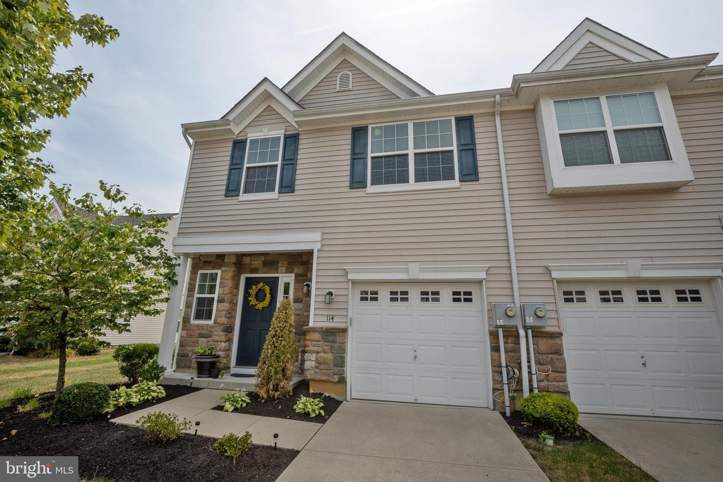 Photo of home for sale at 114 Eagleview Terrace, Mount Royal NJ