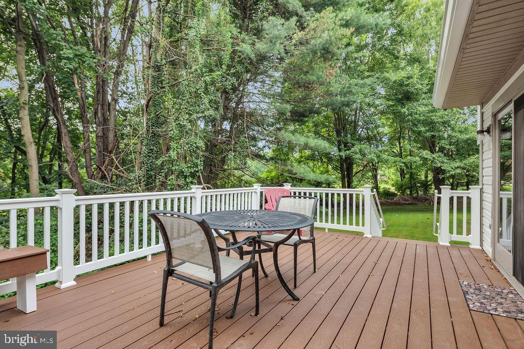 and take in the restful views - 4705 LEEHIGH CT, FAIRFAX