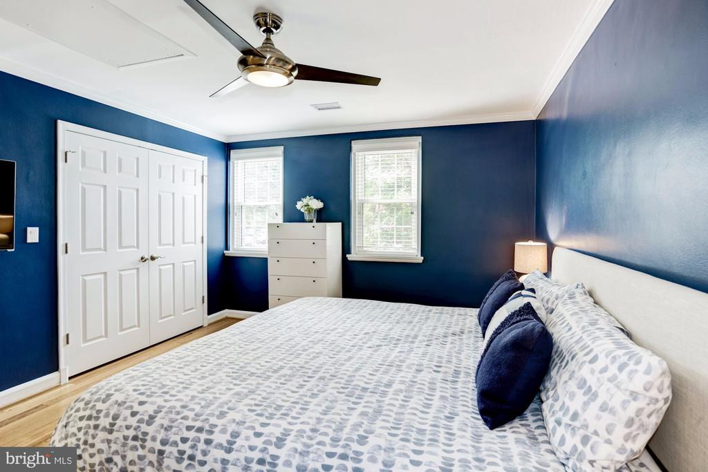 Large Master Bedroom with 2 Closets - 3552 S STAFFORD ST, ARLINGTON