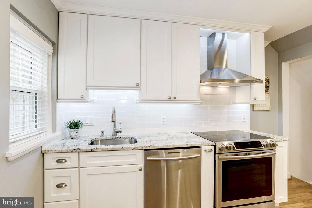 Stainless Steel Appliances - 3552 S STAFFORD ST, ARLINGTON