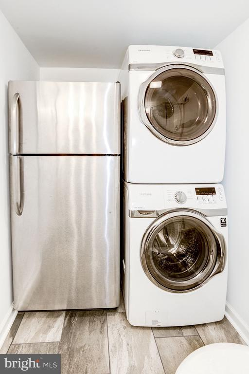 Stacked Washer & Dryer - 3552 S STAFFORD ST, ARLINGTON