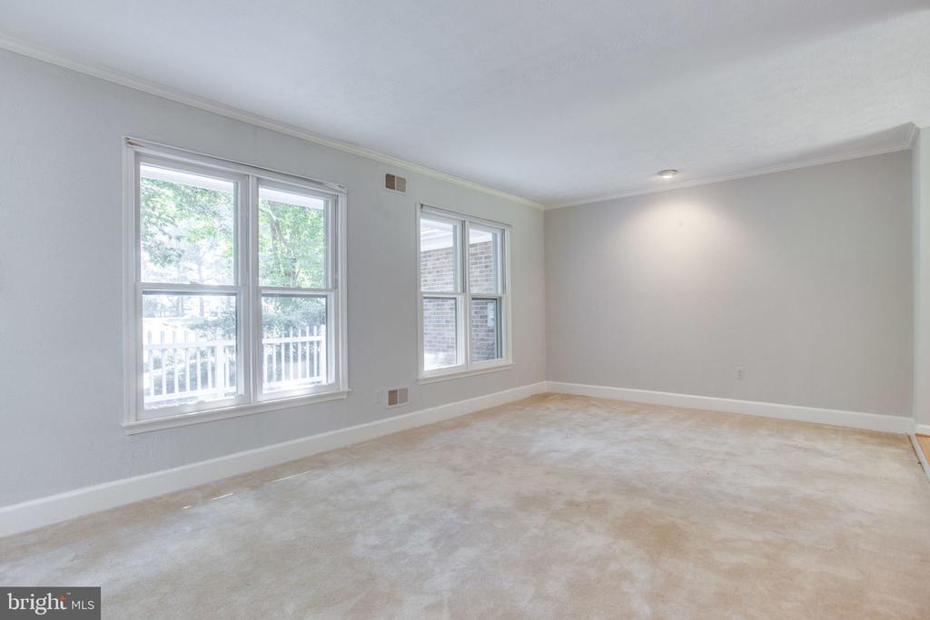 Living room - 4198 WINDY HILL DR, MONROVIA