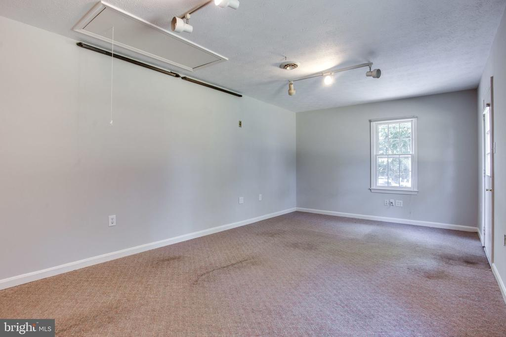 Den or office off of dining room - 4198 WINDY HILL DR, MONROVIA