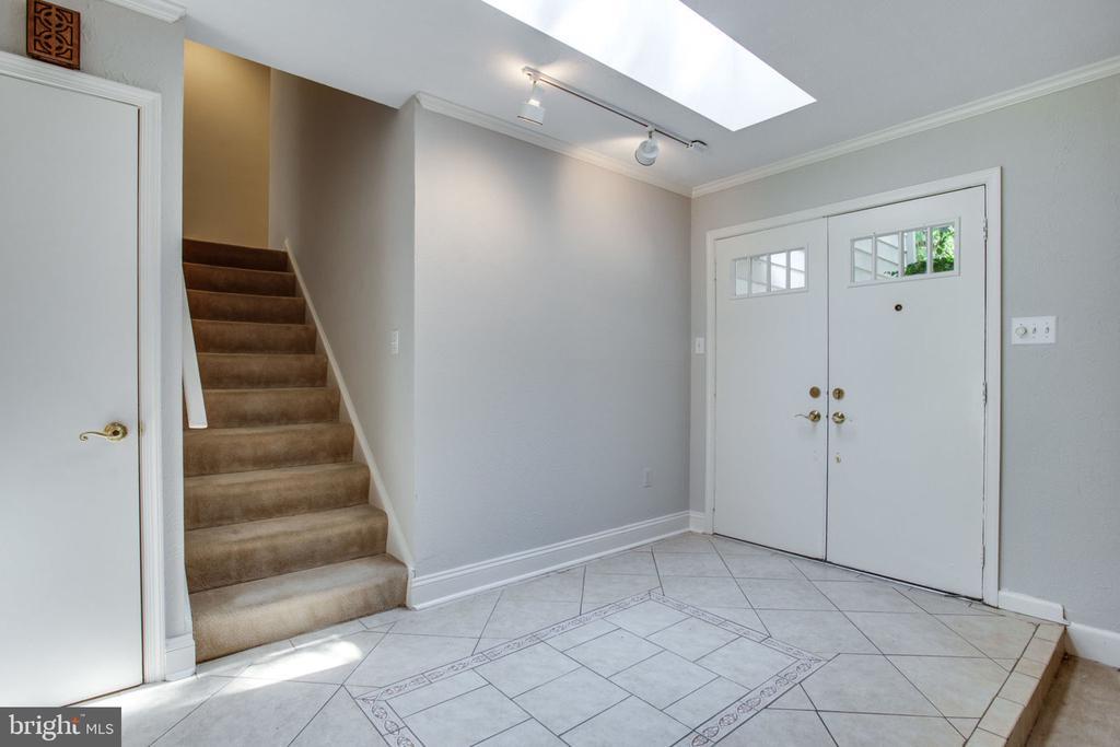 Foyer - 4198 WINDY HILL DR, MONROVIA