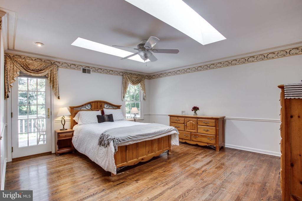 Master bedroom - 4198 WINDY HILL DR, MONROVIA