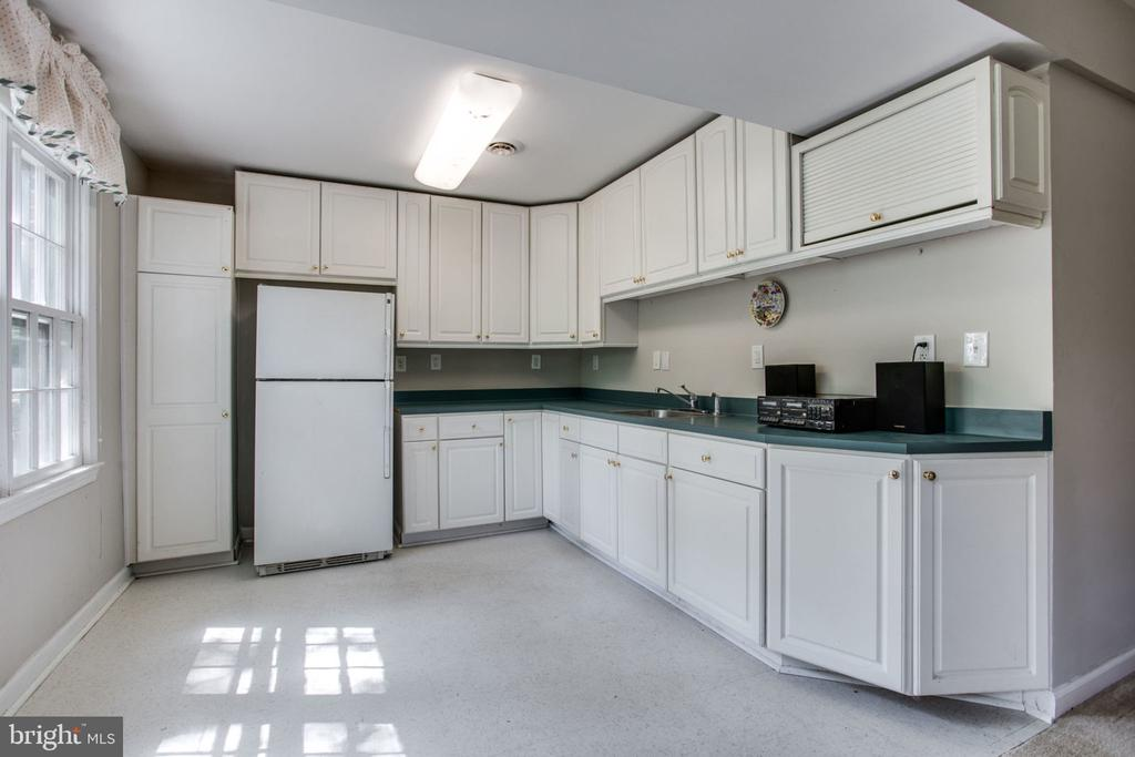 Kitchen in in-law suite - 4198 WINDY HILL DR, MONROVIA