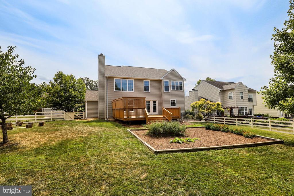 - 35756 ROUNDLEAF CT, ROUND HILL