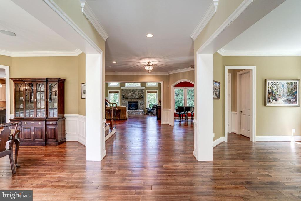 Open floor plan - 3001 WEBER PL, OAKTON