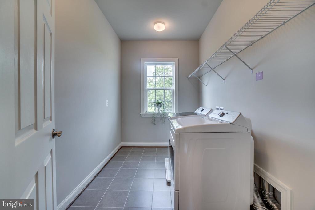 Upper Level Laundry - 17266 HARMONY VISTA DR, HAMILTON