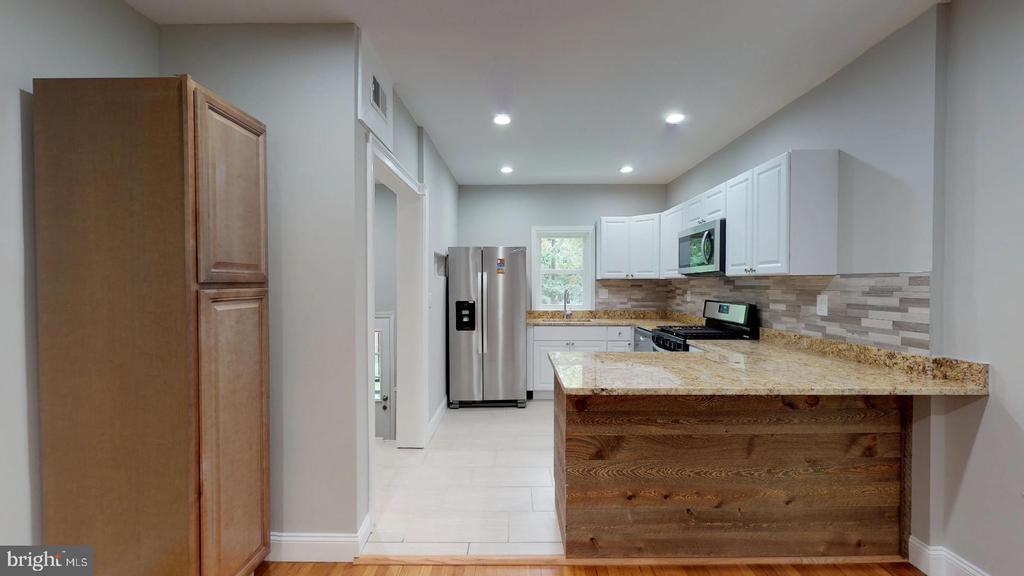 Full extended view of Kitchen on Main Level - 5430 N CAPITOL ST NW, WASHINGTON
