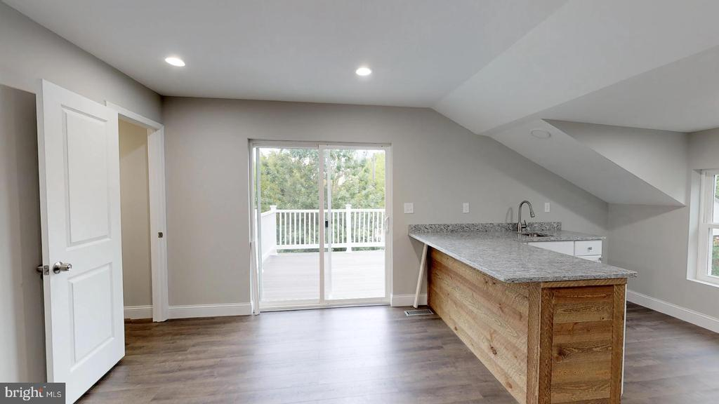 Master Suite - Doors to Balcony/Deck - 5430 N CAPITOL ST NW, WASHINGTON