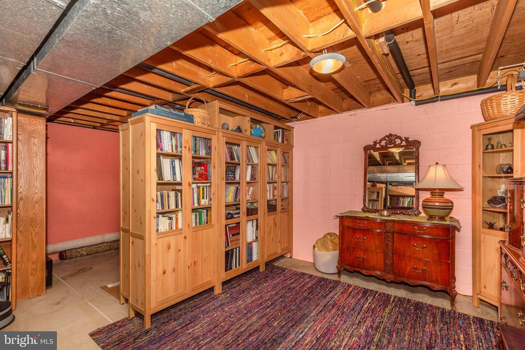 Storage Area (currently used as a Library) - 5400 RIDGE RD, MOUNT AIRY