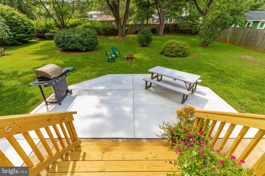 New Rear Deck and Patio - 5400 RIDGE RD, MOUNT AIRY