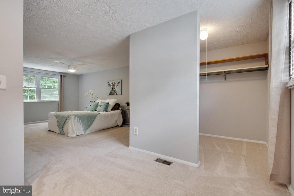 Walk-in closet and dressing area - 8419 RAINBOW BRIDGE LN, SPRINGFIELD